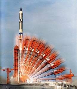 415px-Gemini_10_launch_time_exposure_-_GPN-2006-000036